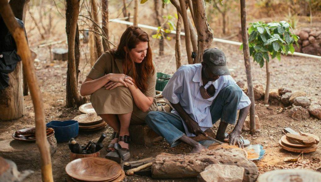 Mali artisan carving bowls and spoons